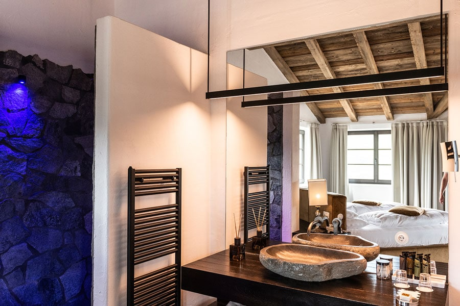hotel-turm-room-bath