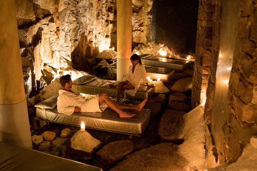 salt-cave-hotel-turm-gal