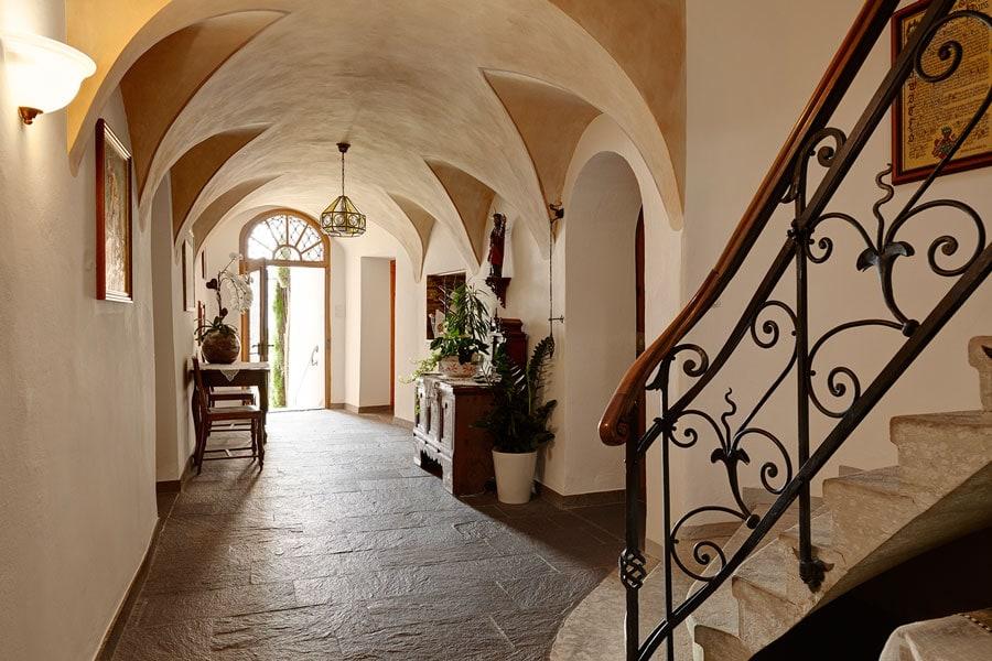 castle-plars-foyer-south-tyrol-gal6
