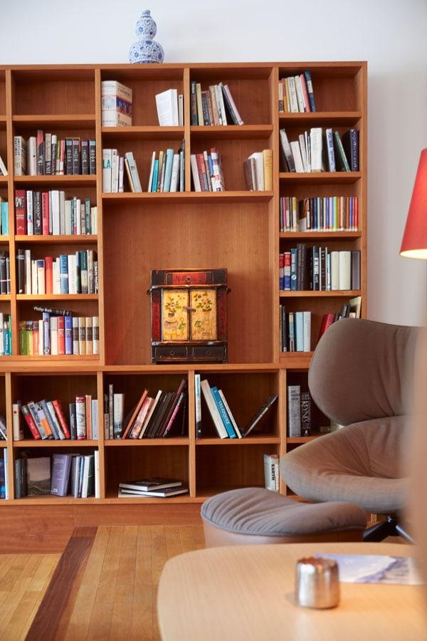 schloss_Elmau_room_books_gal15