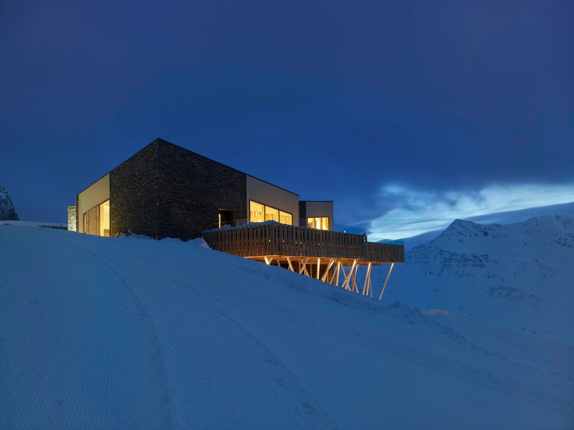 the-chedi-andermatt-the-japanese-restaurant-night