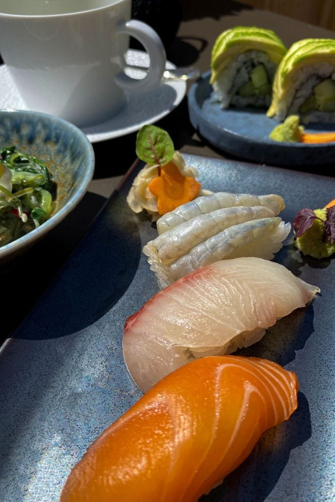 the-chedi-the-japanese-restaurant-nigiri-sushi-hamachi-gal8