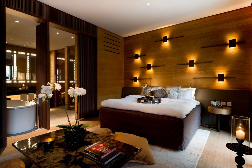 CAM-chedi-andermatt-Deluxe-Room_01-low