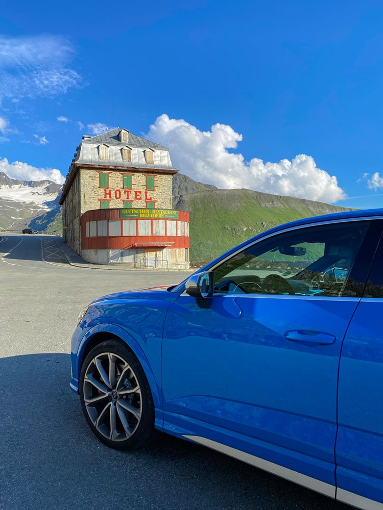 Chedi-andermatt-james-bond-roadtrip-audi-re-q3-sportback-6-low