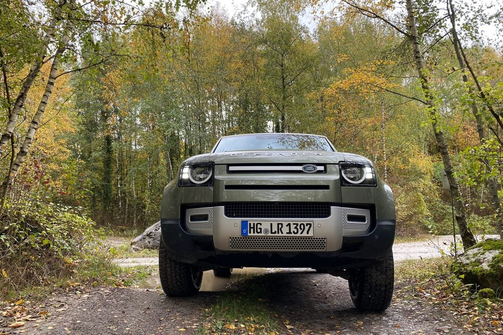 """Release Brake, Steer, Smile!"" - Land Rover Experience Center in Wülfrath 2"