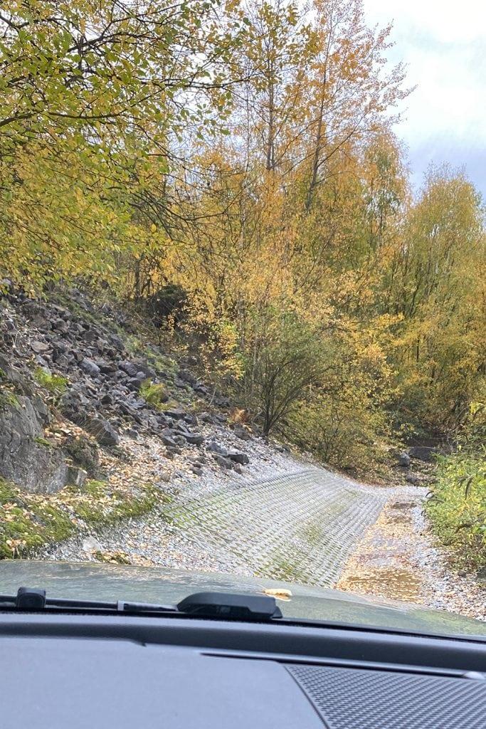"""Release Brake, Steer, Smile!"" - Land Rover Experience Center in Wülfrath 4"