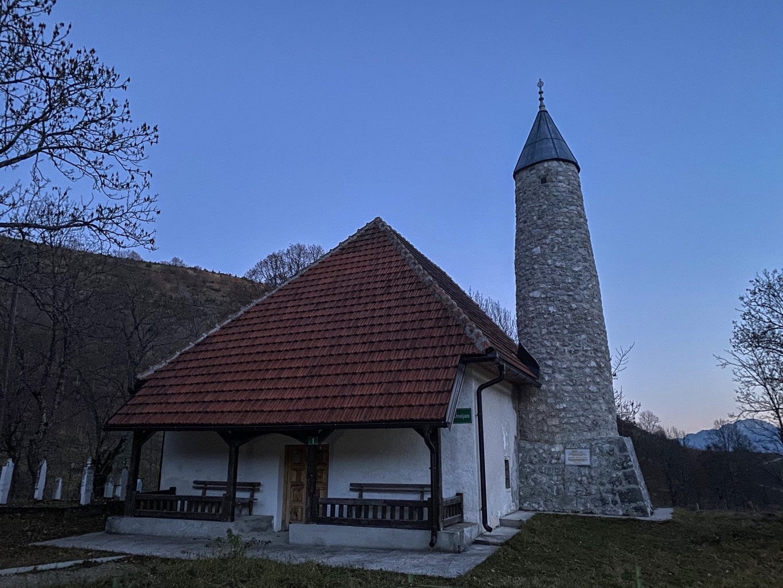 Mountain Village Umoljani - In Search of the Stone Dragon 9