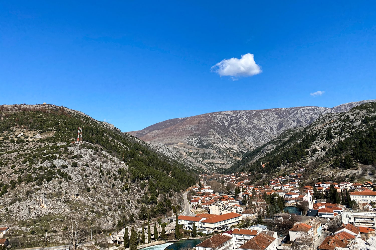 From the Ice Lake to the Sunny Village of Stolac 26