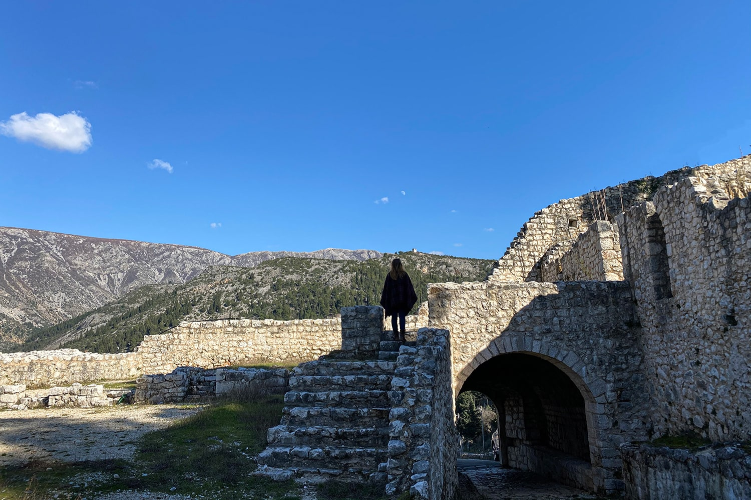 From the Ice Lake to the Sunny Village of Stolac 25